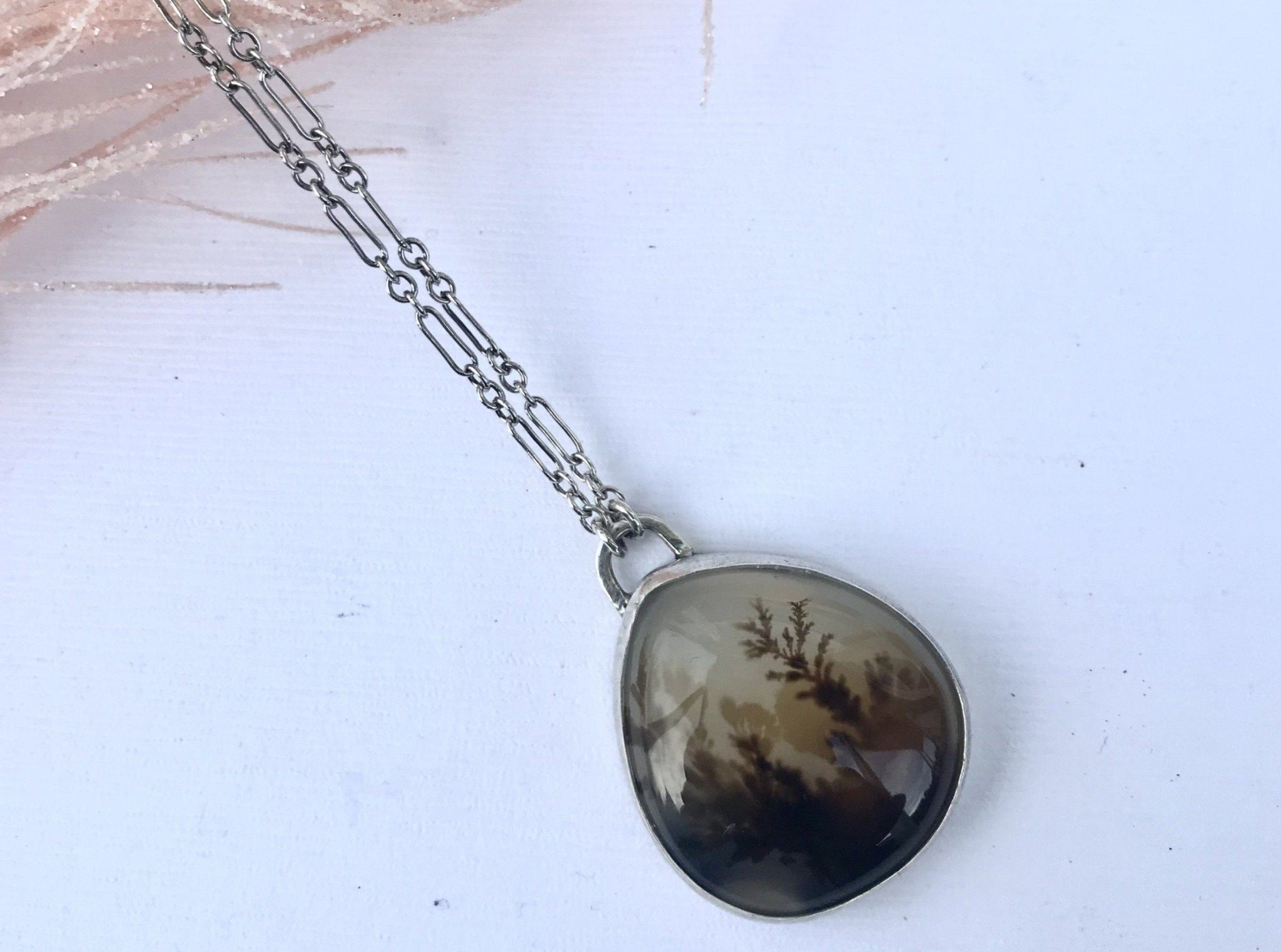 dendritic agate necklace