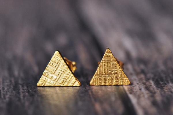 14k yellow vermeil tiny triangle studs