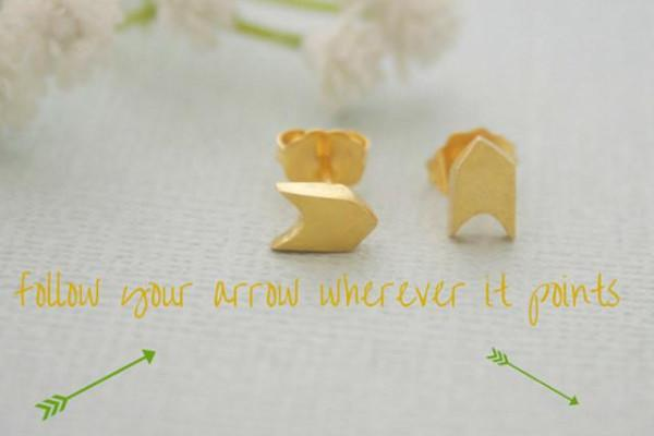 18k gold vermeil sterling silver follow your arrow stud earrings