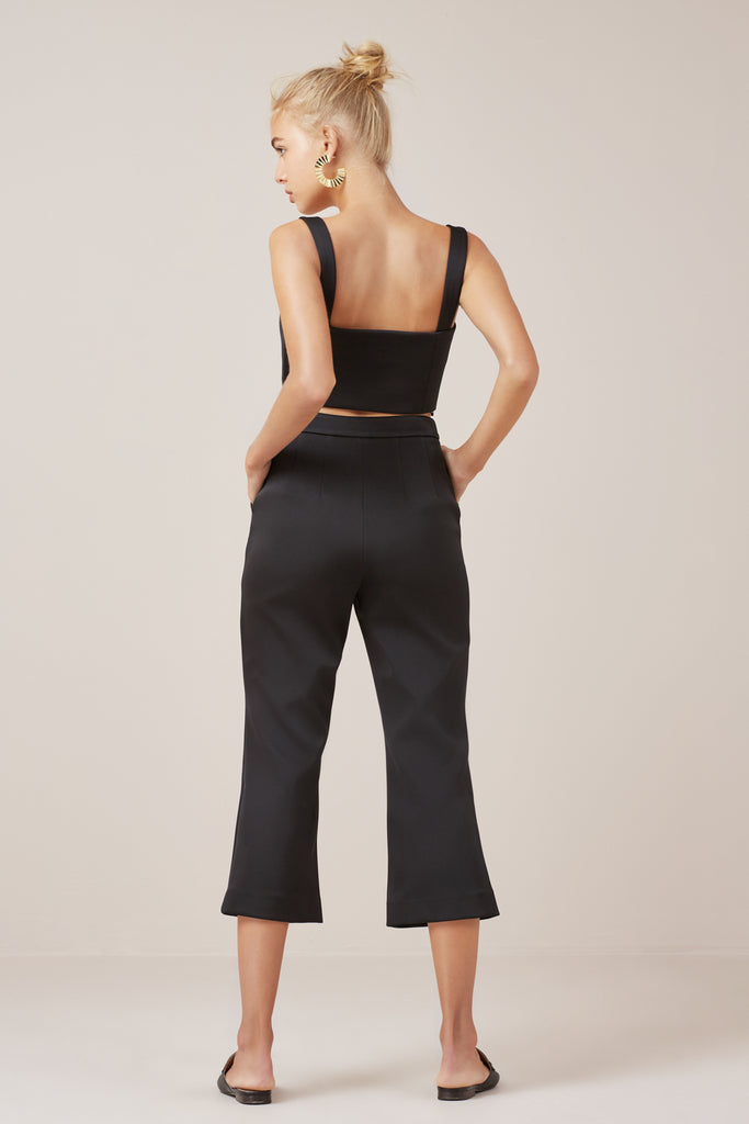 PERMISSION CROP FLARE black