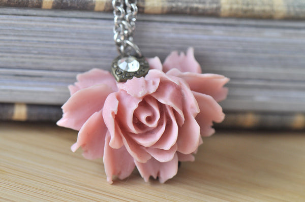Isabella In Pastel Pink - Flower Necklace