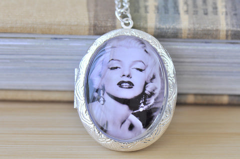 Large Oval Locket - Marilyn Monroe