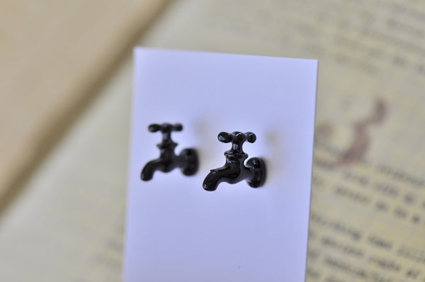 Water Tap Stud Earrings - Black