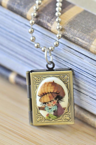 Holly Hobbie Little Farmer Book Locket