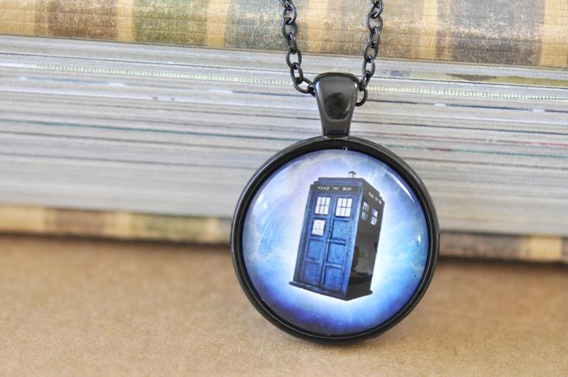 Handmade 25mm Glass Pendant Necklace - Doctor Who Blue Tardis