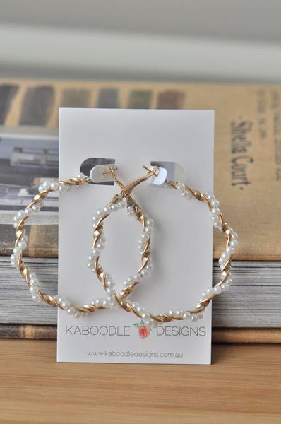 Faux Pearl Twisted Circle Hoop Earrings