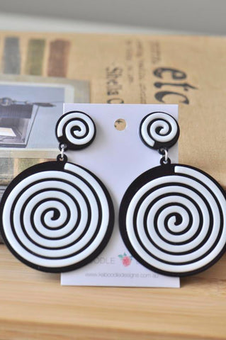 Acrylic Perspex Black and White Round Swirl Drop Dangle Earrings