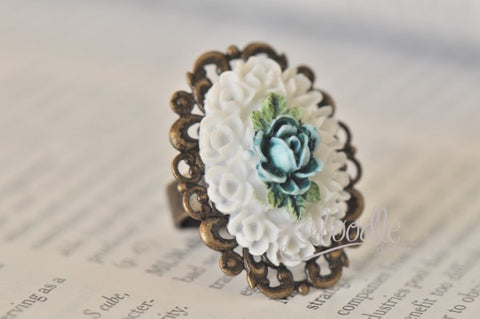 Blooming Rose in Blue and White - Vintage Ring
