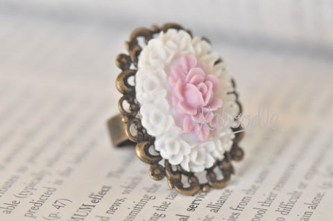 Blooming Rose in Pink and White - Vintage Ring
