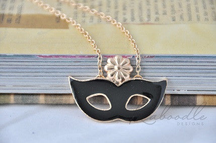 Black Masquerade Eye Mask Necklace