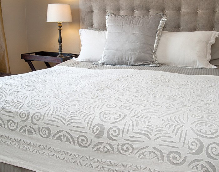 Appliqué Throw/Bed Cover : Jungalow Pattern