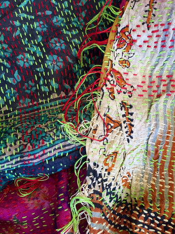 "Kantha Throw, VINTAGE SILK - ""AARZOO"""