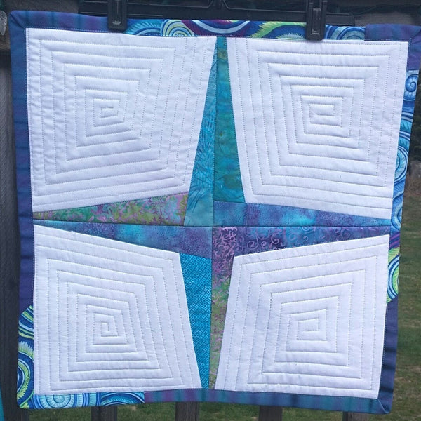 Rising Star - Quilted Table Topper 🌠