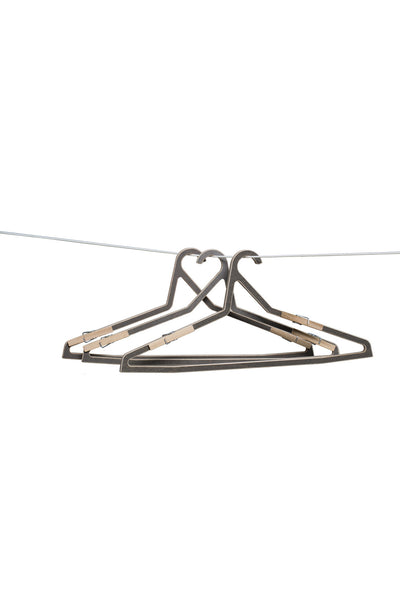 3 hangers with clips