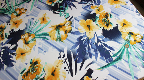 Coupon tissu jersey polyester grosses fleurs