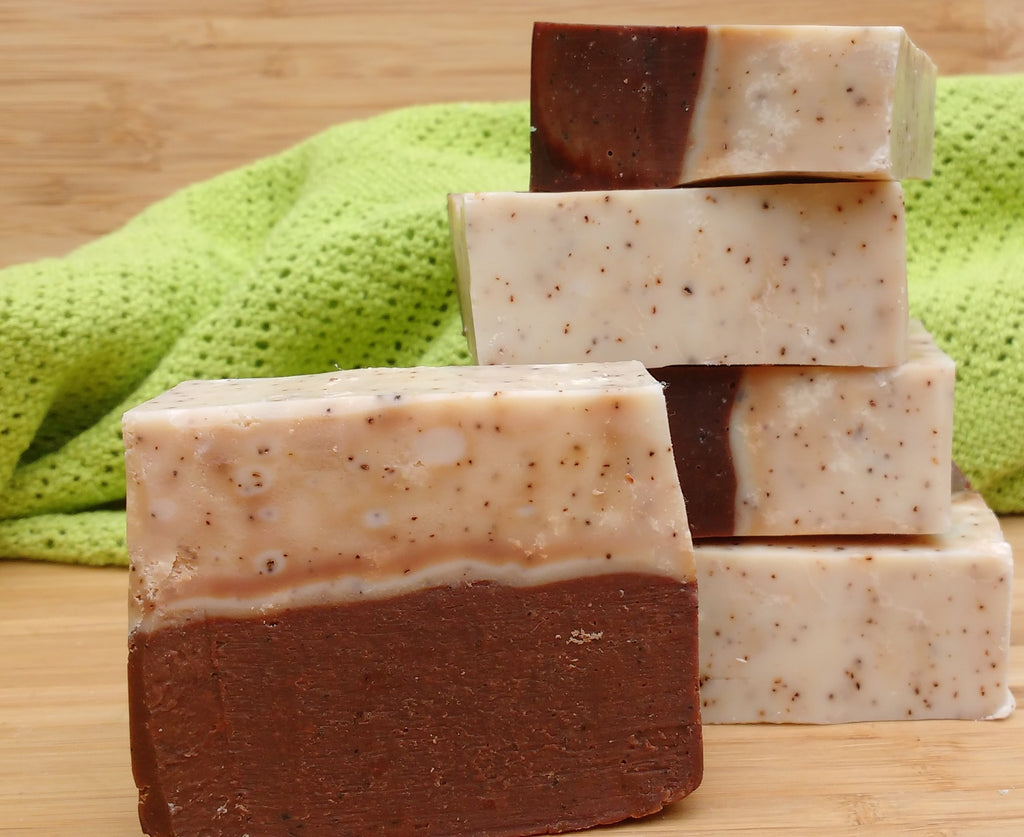 Natural exfoliating soap: Chocolate scrub