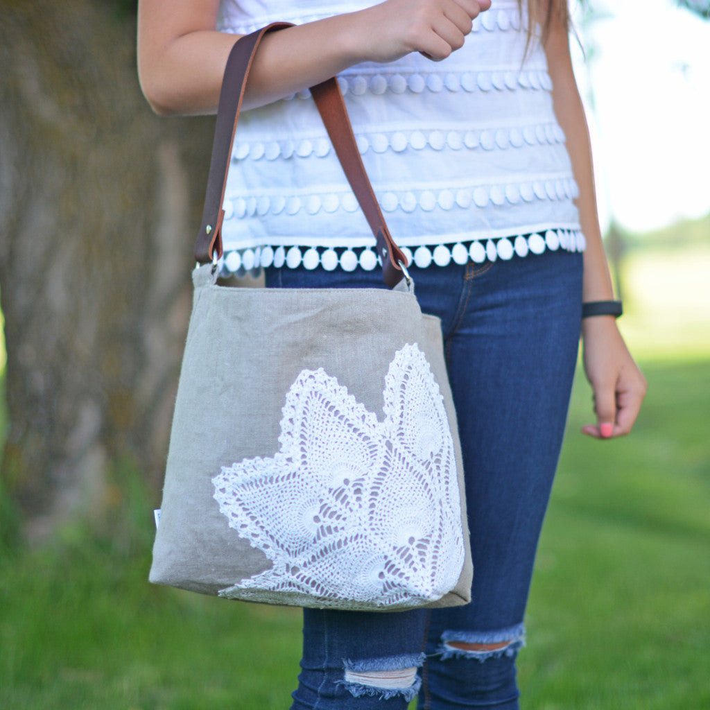 Linen Hobo Bag with Vintage Lace in Natural