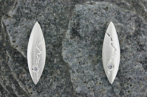 Spey Earrings with Diamond