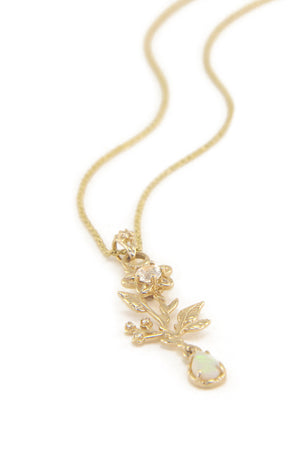ilverthorne Blossom Necklace