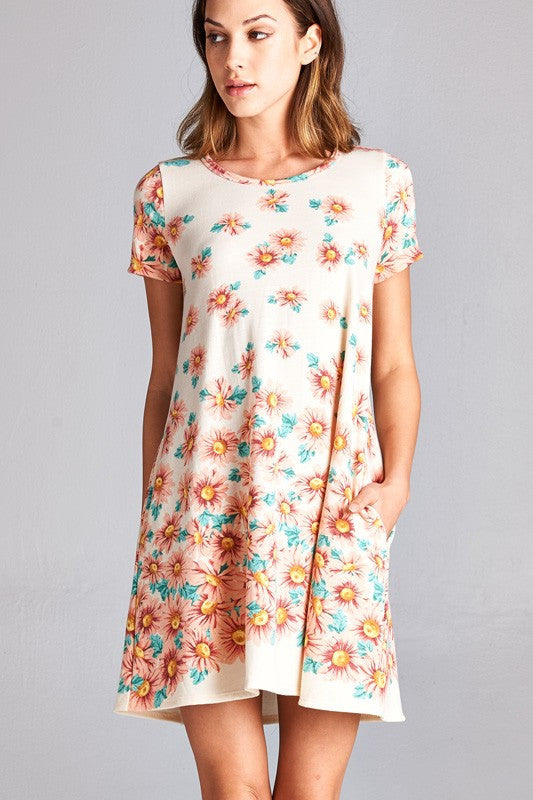 American made women's tunic dress in daisy print closeup