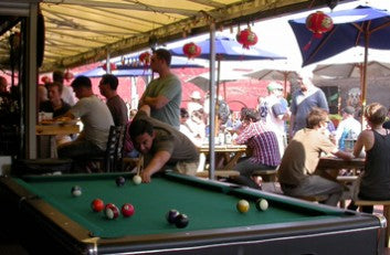 Chicago roofdeck pool table at Reggies live
