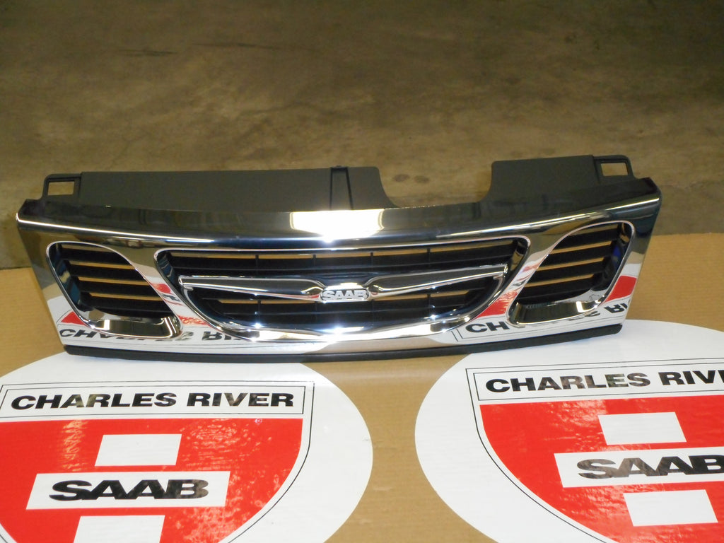 "CLEARANCE ITEM!!! Front center grille- P/N 4677894.  1999-03 old gen ""93"" - Saab Parts Depot"