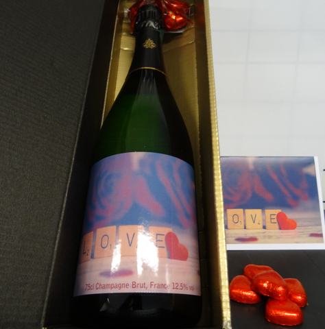'Two Hearts meet as One '  Luxury Champagne Valentine Gift