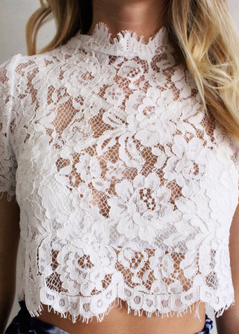 ESME CROP LACE TOP