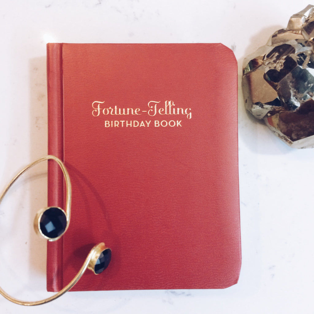 FORTUNE-TELLING: BIRTHDAY BOOK - JD LUXE