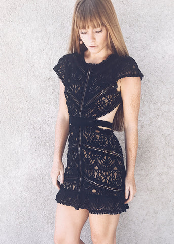 PRIMITIVE LACE DRESS