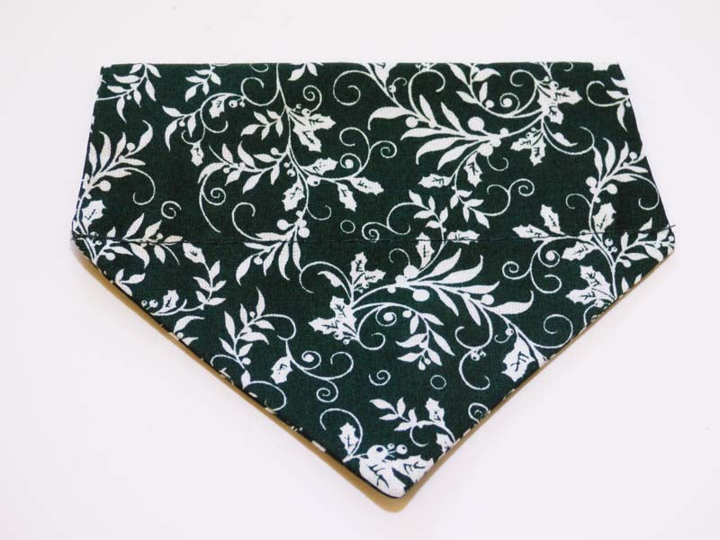 "Dog & Cat Bandana ""Holly"" by Mabel & Mu"