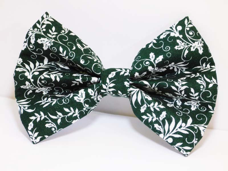 "Dog Bow Tie ""Holly"" by Mabel & Mu"