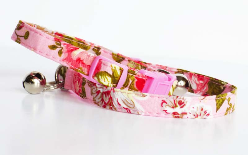 Carnation Cat collar by Mabel & Mu