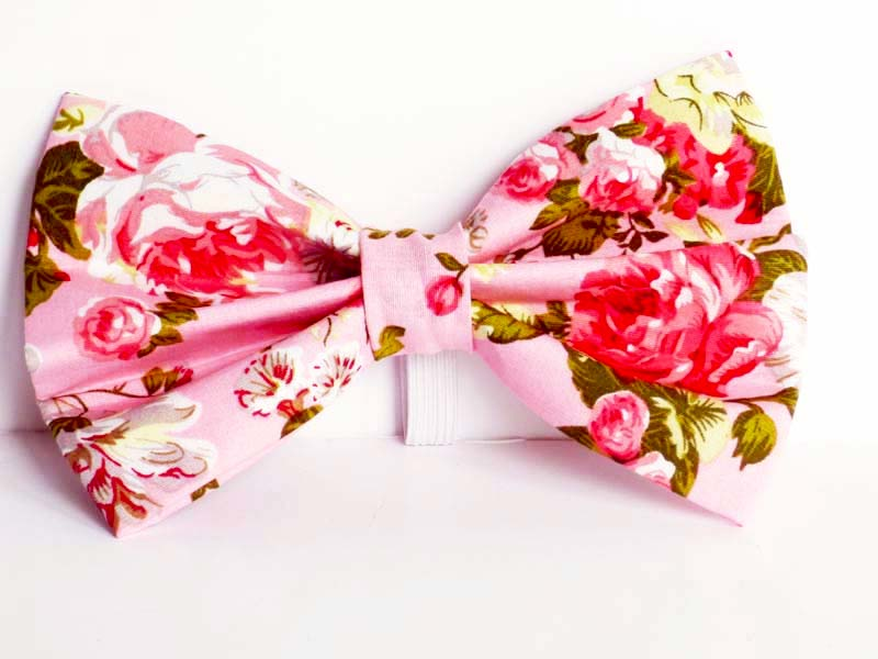 Carnation Cat Bow tie by Mabel & Mu