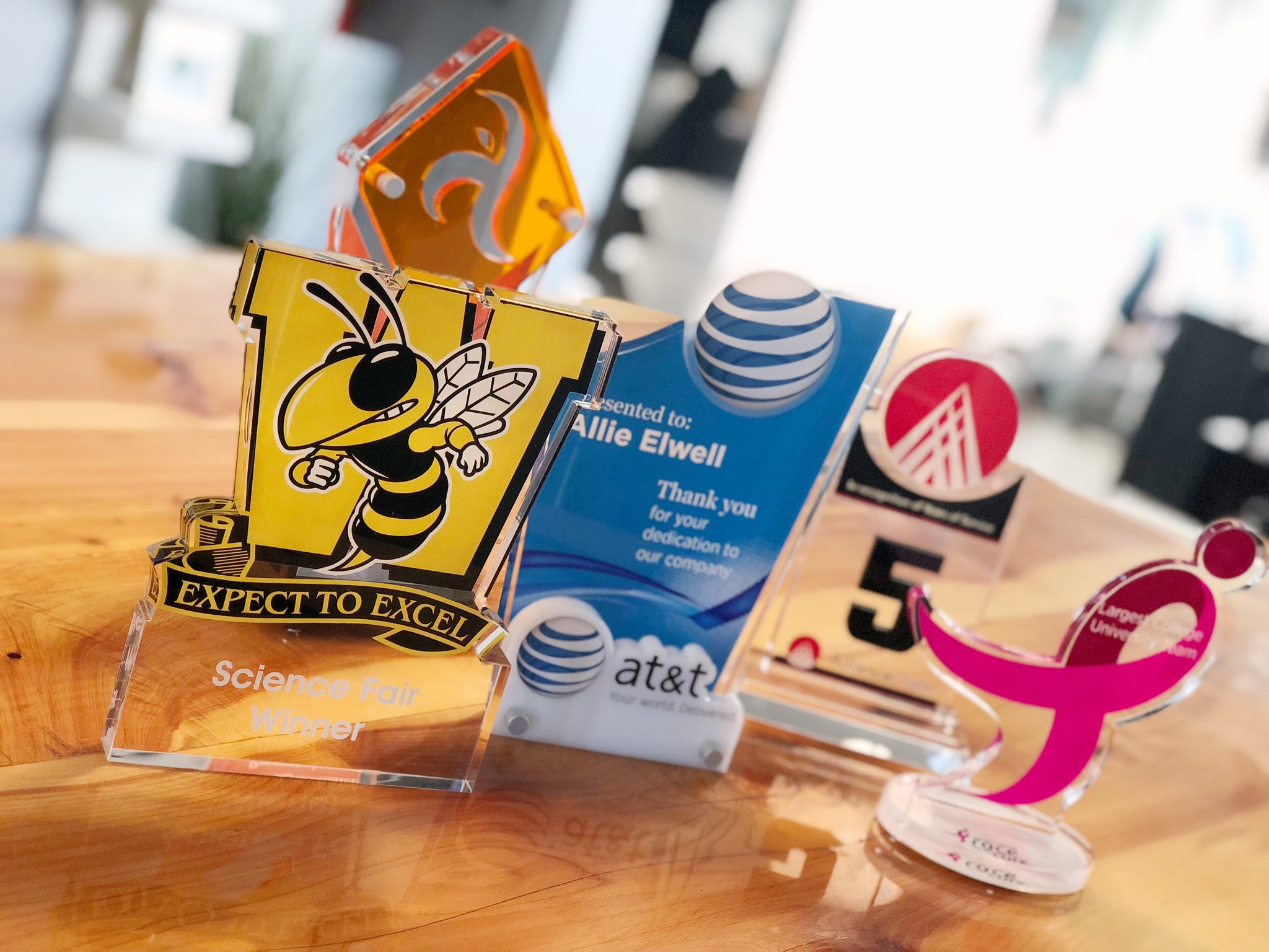 Custom Awards, Plaques + Tropies to Reward Your Team