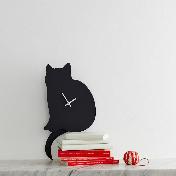 Cat wagging Clock