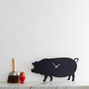 Pig wagging clock