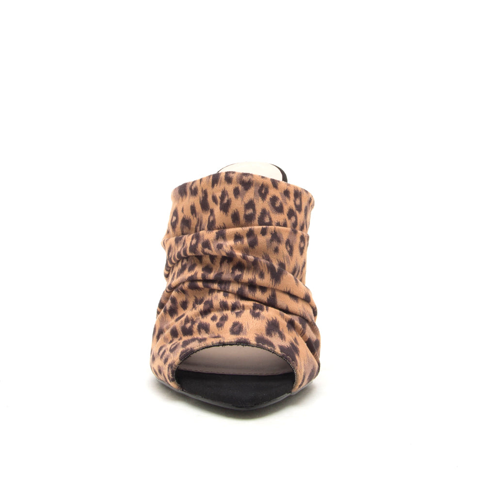 Qupid Wholesale FRASIER-35 TAN/BLACK LEOPARD FRONT VIEW
