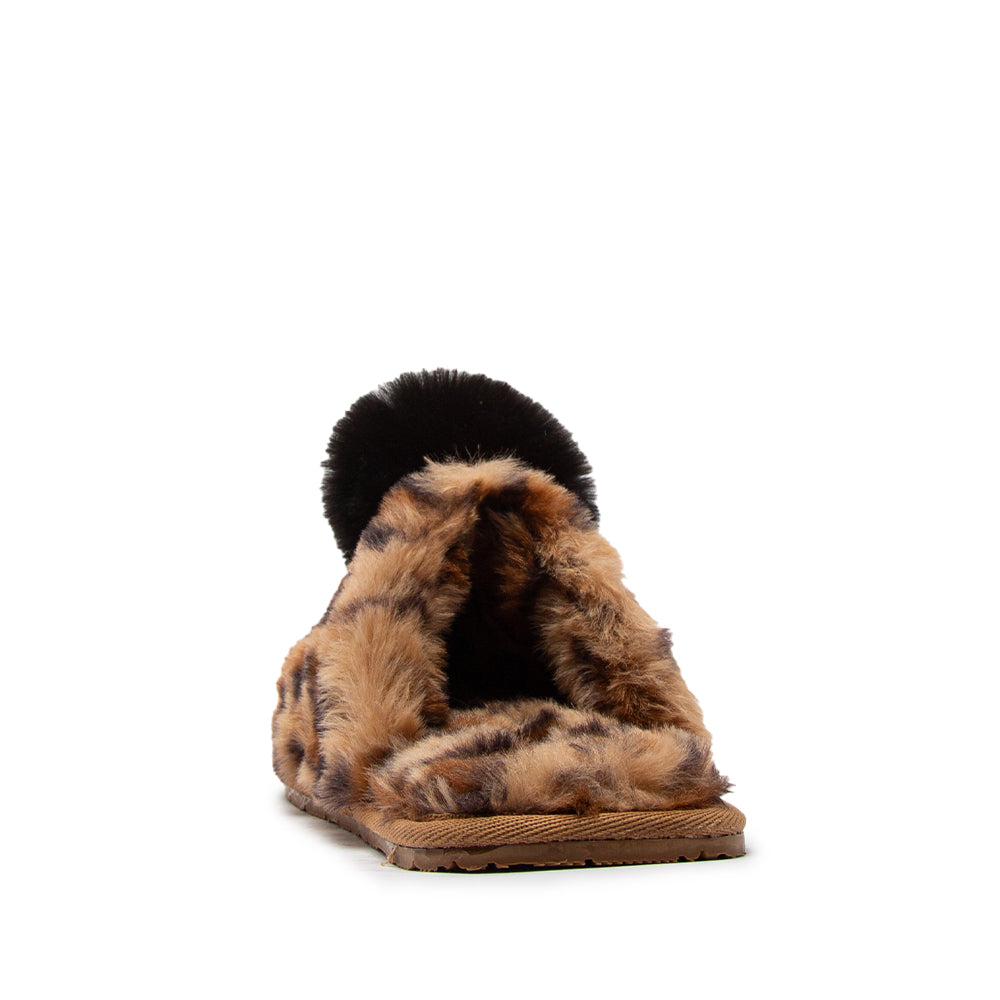 POM-01 LEOPARD FAUX FUR BACK VIEW