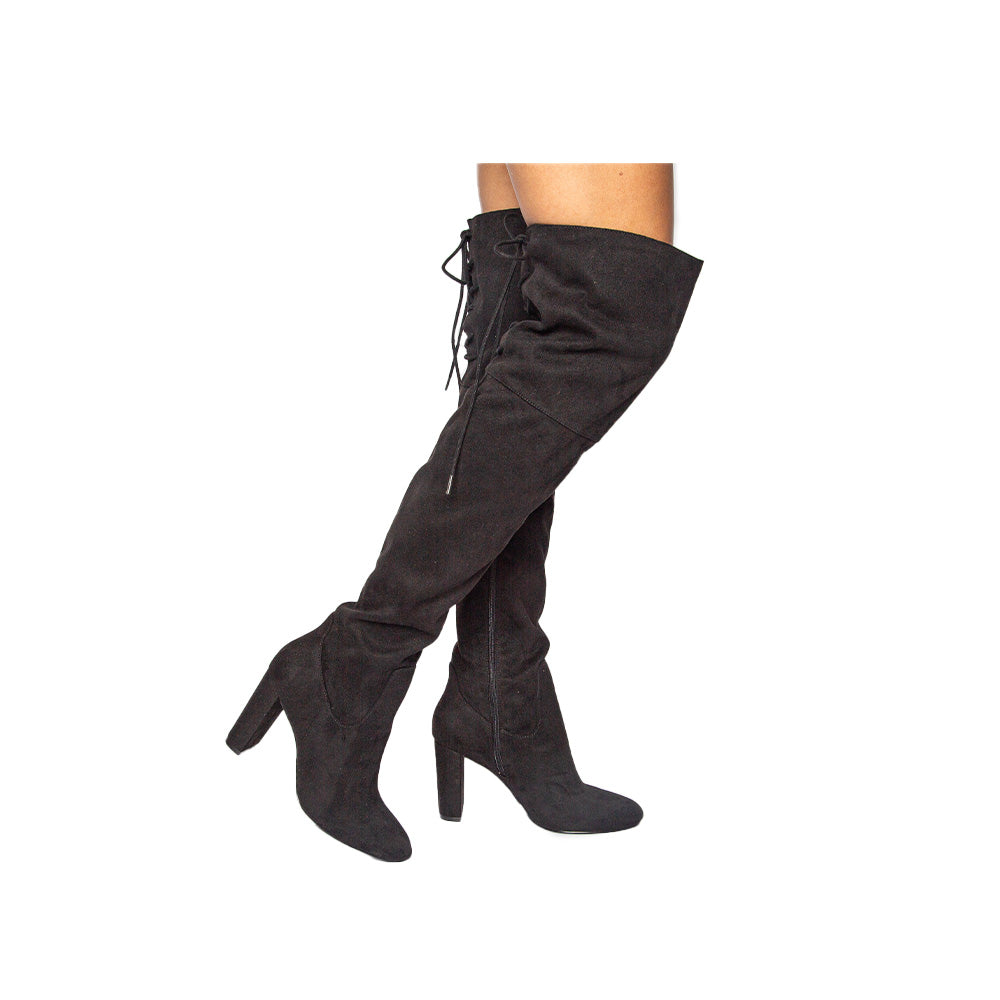 POSE-11 BLACK STRETCH SUEDE PU 1/4 VIEW