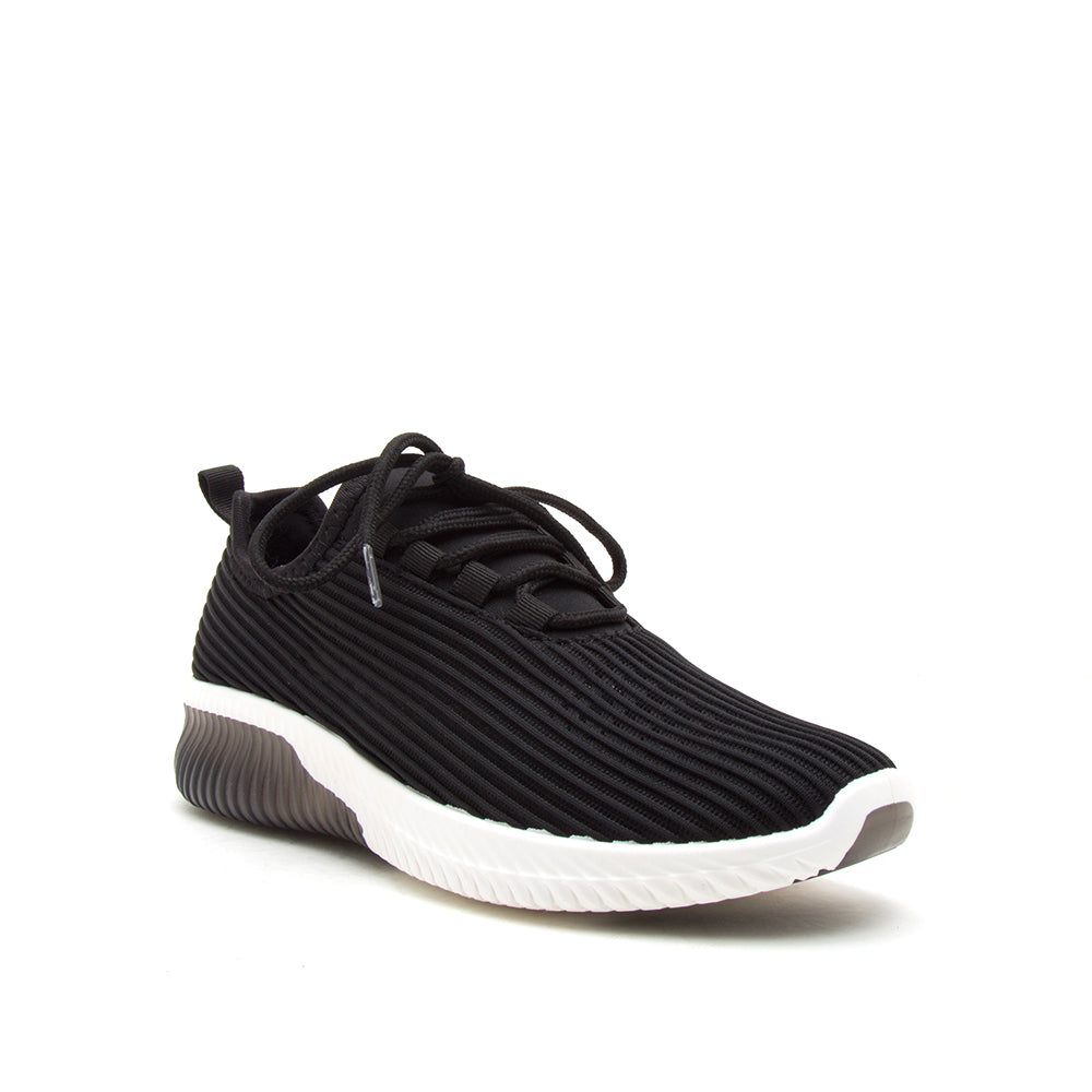 TANK-01 BLACK FLY KNIT 1/4 VIEW