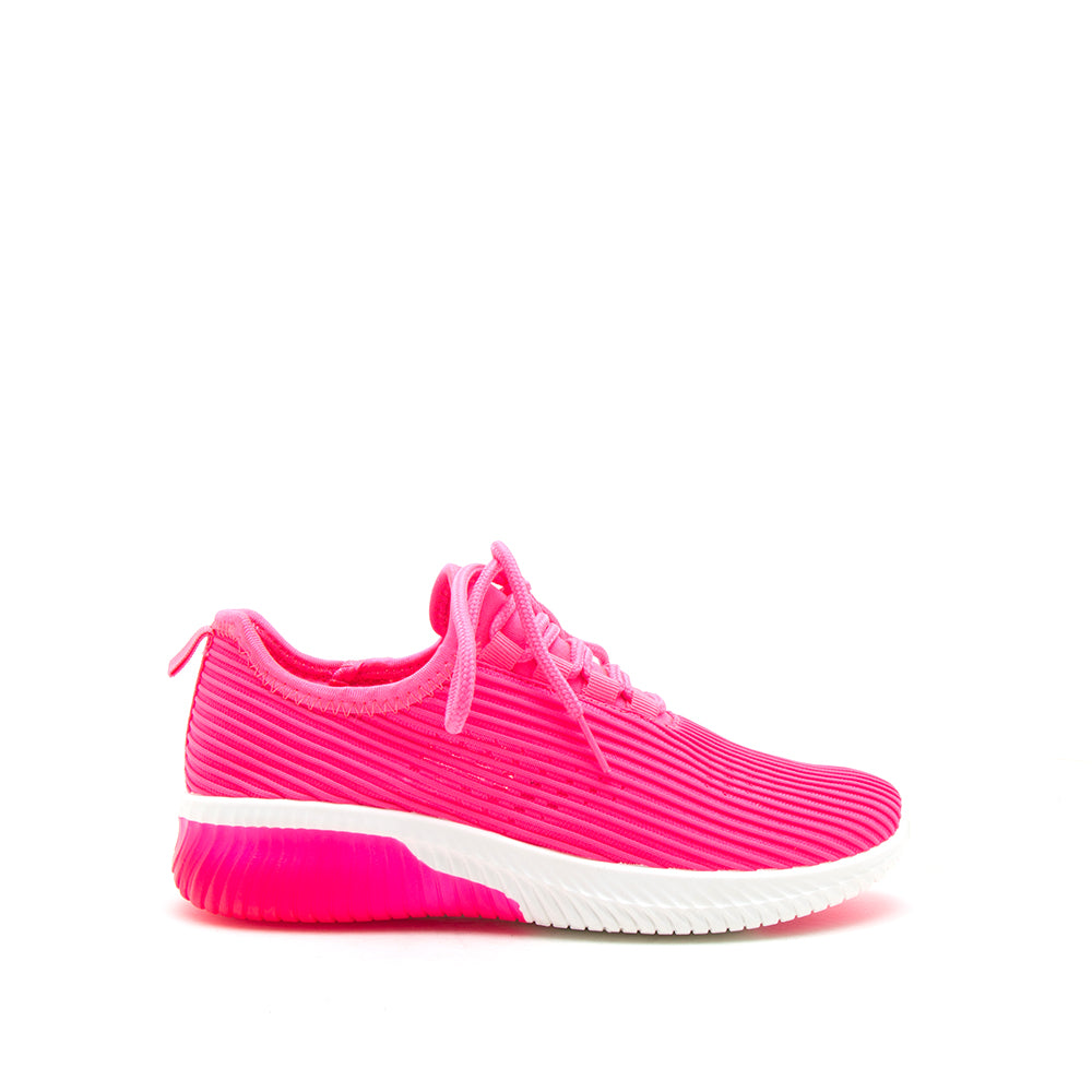 TANK-01 NEON FUCHSIA FLY KNIT 1/2 VIEW