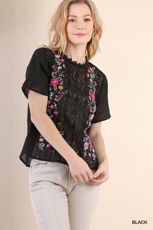 89dee33c1daed6 Floral Embroidered Top – In Pursuit Mobile Boutique