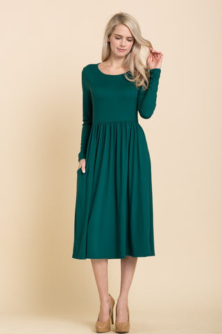 Solid Long Sleeve Midi Dress in Hunter Green