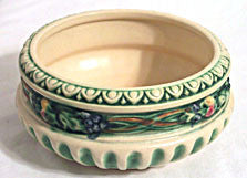 Art Pottery - Roseville - Corinthian - Bowl 6 in.