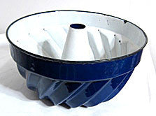 Graniteware / Enamelware - Turks Head - Bundt Cake Pan / Mold - Blue & White 9 3/4""