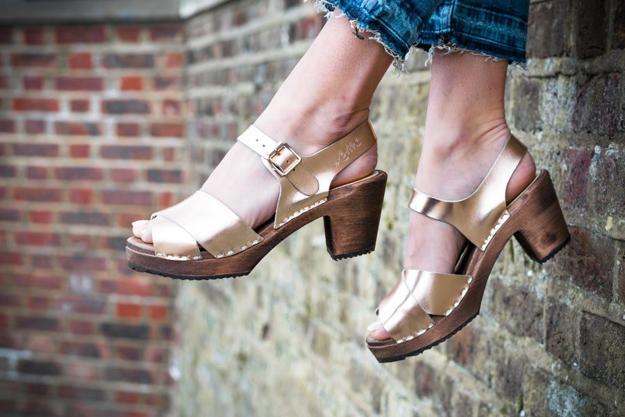 Lotta from Stockholm Cross Over Rose Gold Clogs