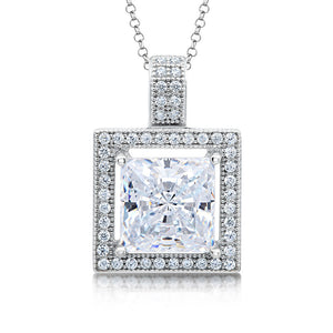 Square princess shape pendant. - Zaitano