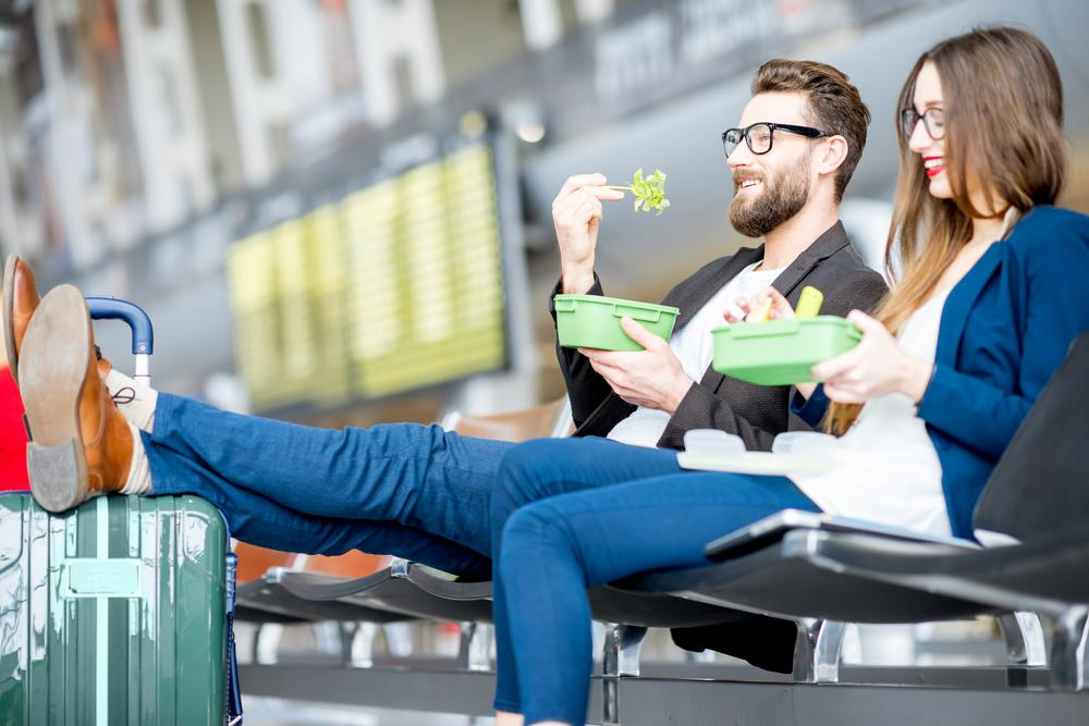 20 P.O.W.E.R. Hacks for Eating Healthy While Traveling