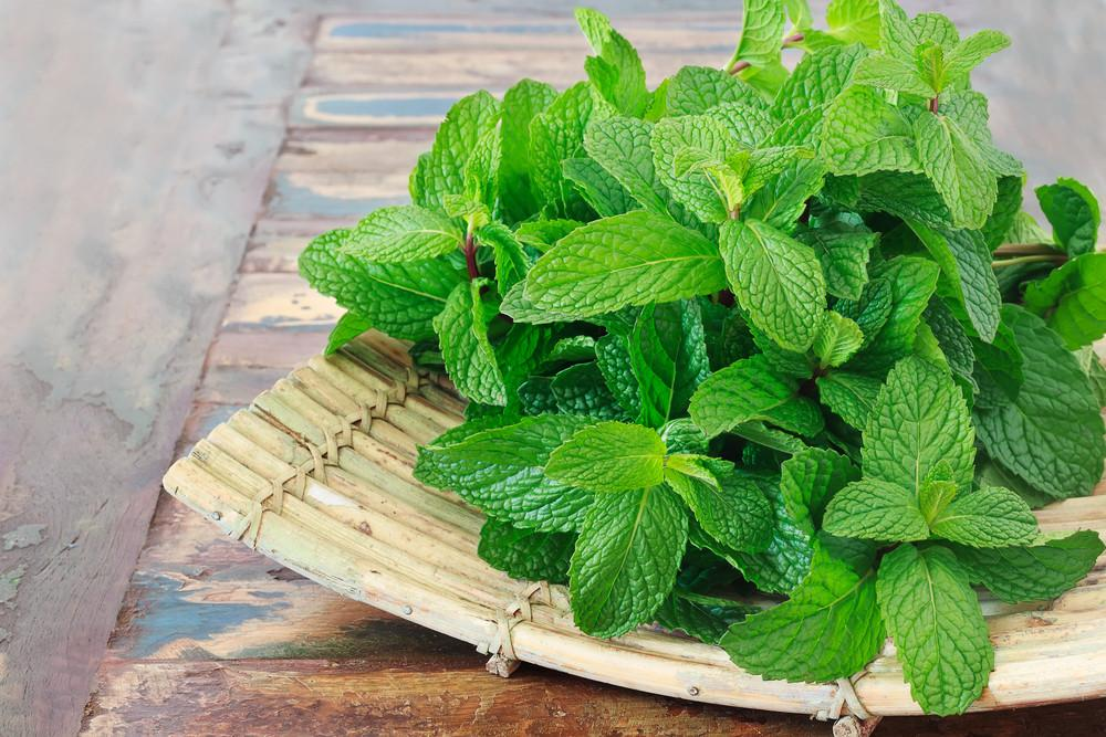 7 Healthy Ways To Use Fresh Mint This Week